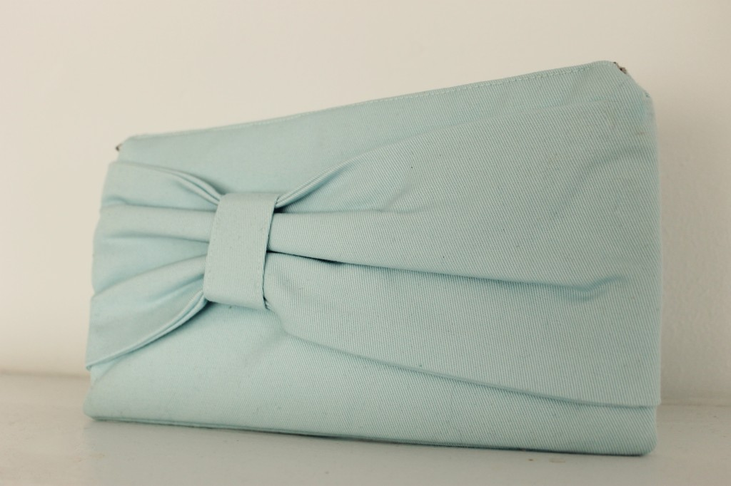 light blue bow clutch2