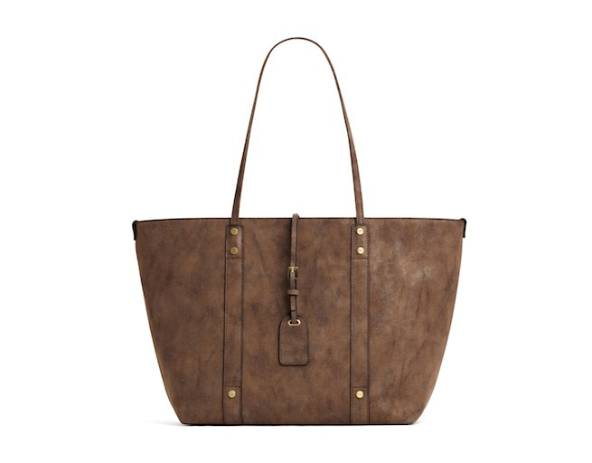 A-taupe-tote