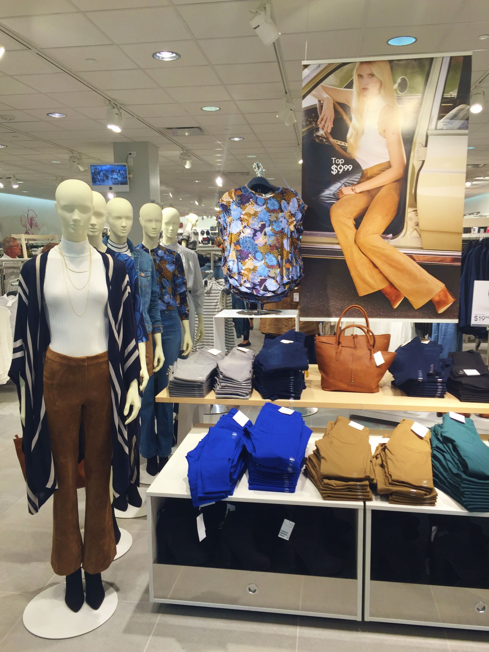 H&M OKC Grand Opening clothing display