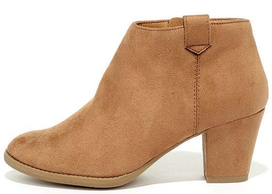 lulu's sidewalk strut tan ankle boots
