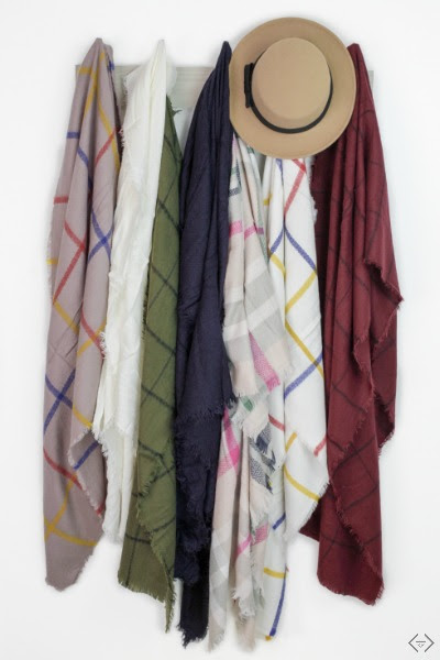 Friday Favorites - blanket scarves from Cents of Style