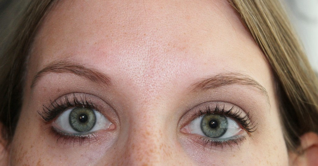eyebrows bare