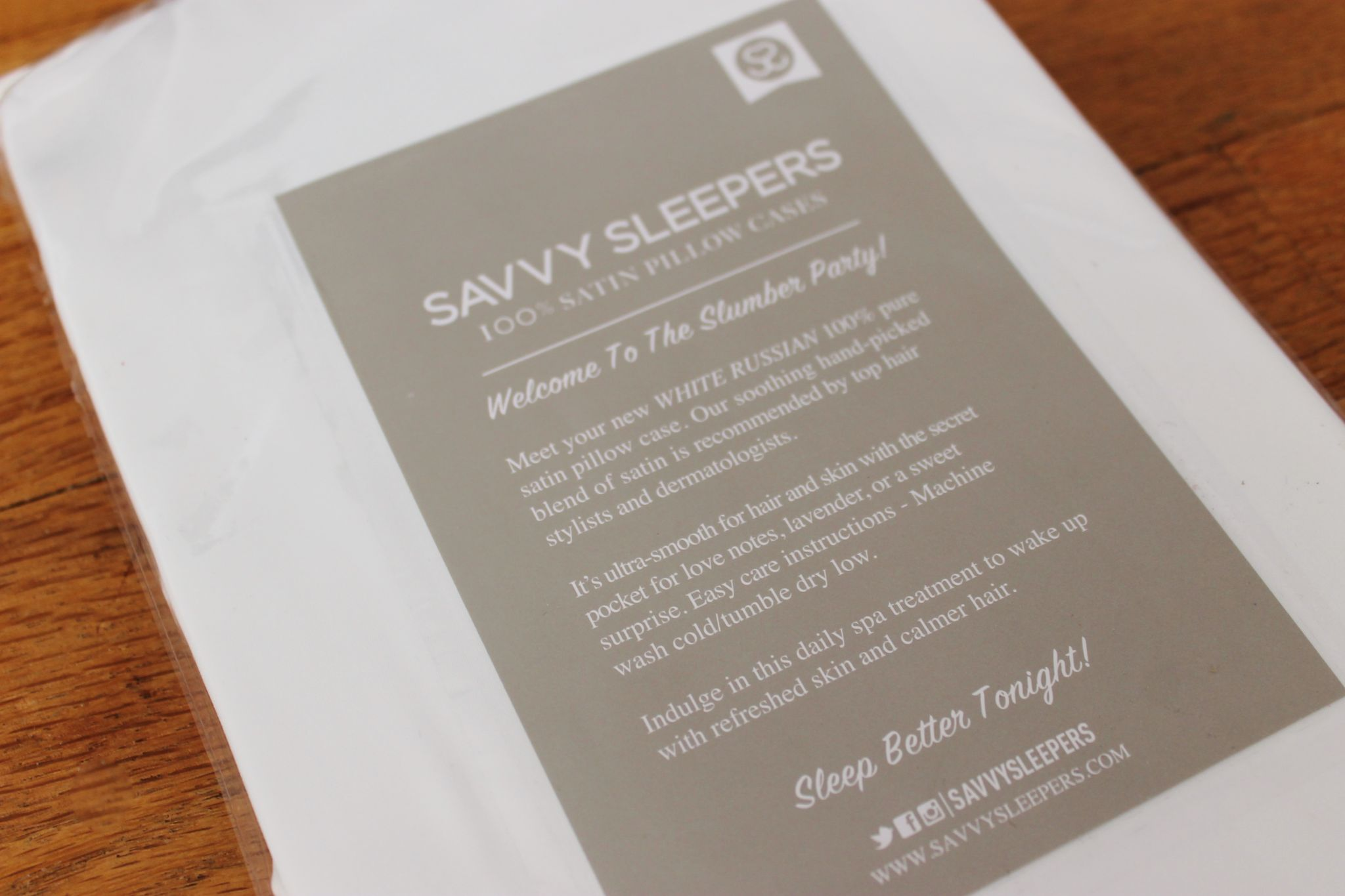 Popsugar Must Have October box review Savvy Sleepers Luxury Satin Pillowcase