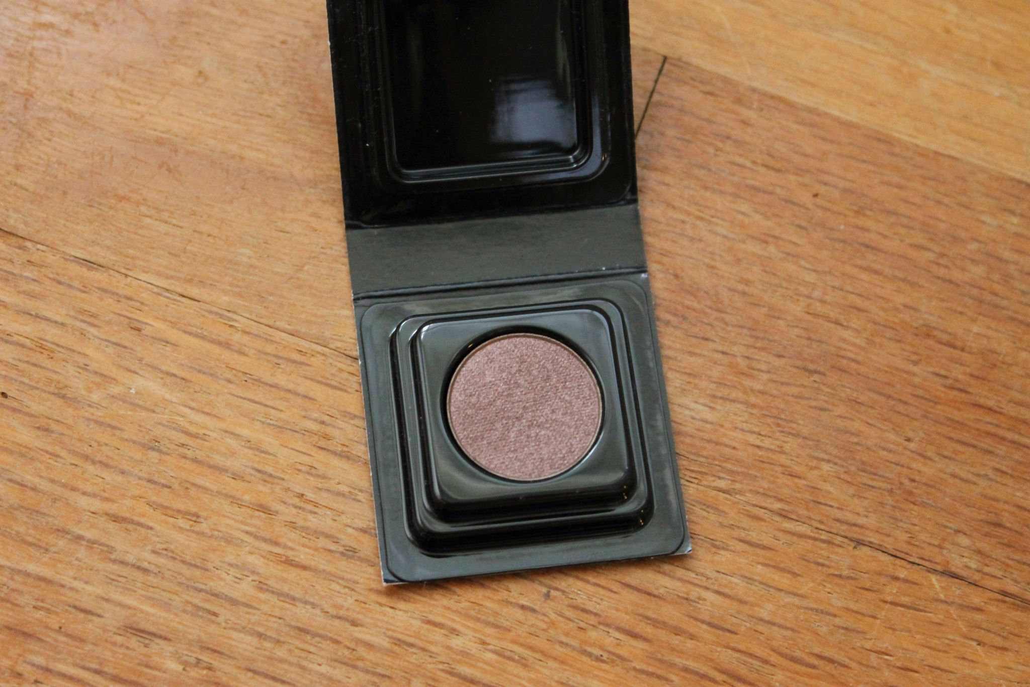August Play by Sephora Make Up For Ever Artist Shadow in I-544
